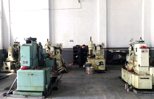 motorized-pulley-manufacturing-equipment-3