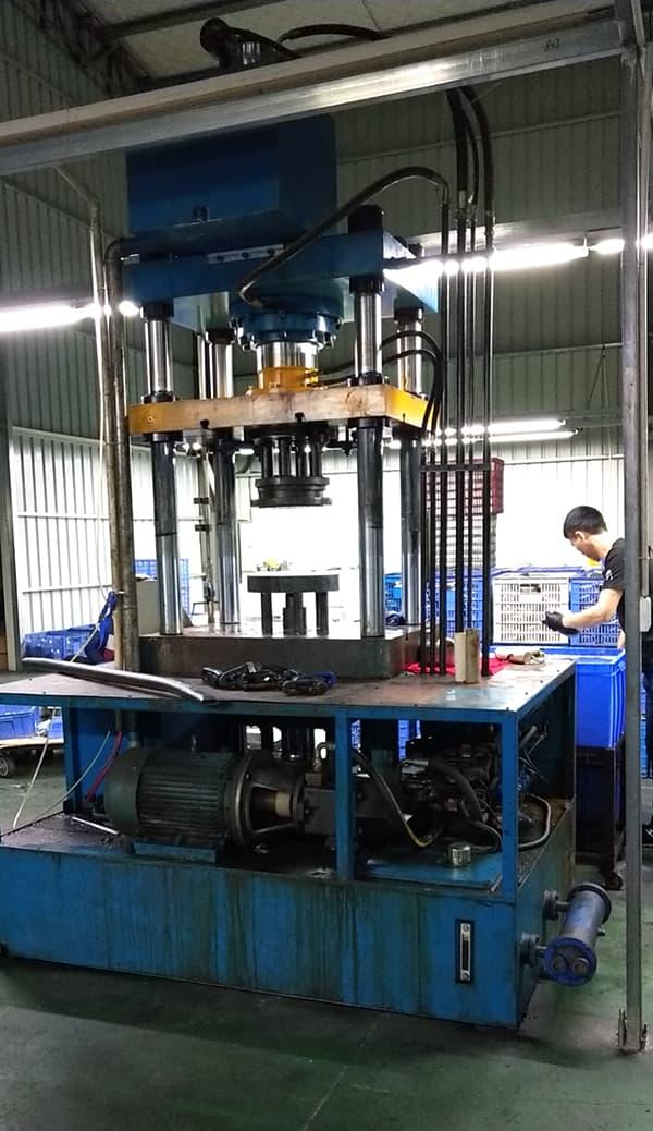 sirosilo-ultrasonic-cleaner-factory-3